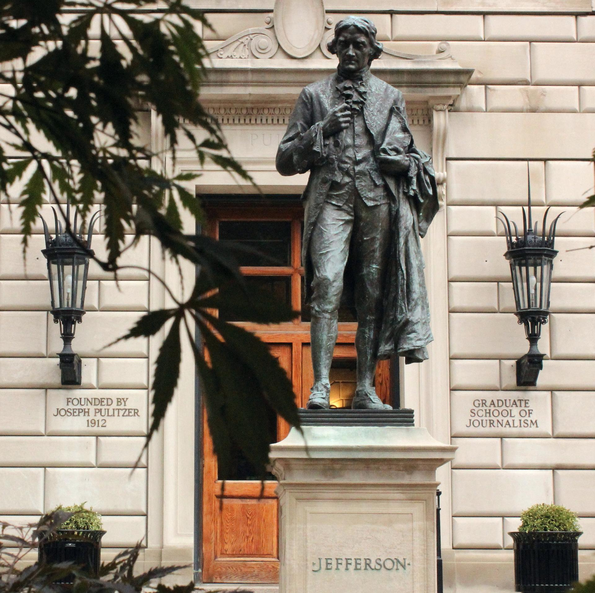 Statue of Thomas Jefferson outside Pulitzer Hall, the School of Journalism